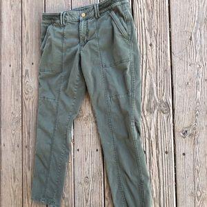 White House Black Market Cropped Jeans ❤️❤️